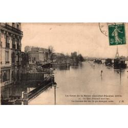 Paris la crue de la seine...