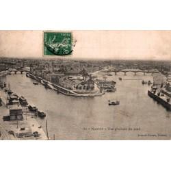 Nantes vue generale du port