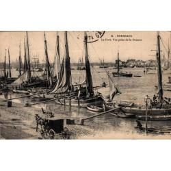 Bordeaux le port vue prise...