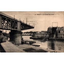 Brest le grand pont ouvert