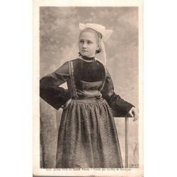 Jeune fille de saint thois...
