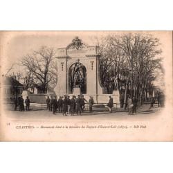 Chartres monument élévé à...