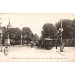 Tours place du palais de...
