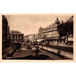 Montpellier la place de la...