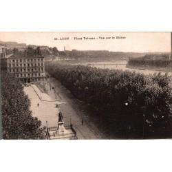 Lyon place tolozan vue sur...